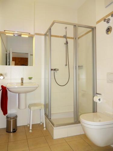 ferienwohnung altstadtsuite regensburg. Black Bedroom Furniture Sets. Home Design Ideas